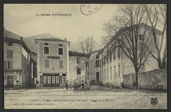 St-Laurent-en-Royans - Place de la Mairie
