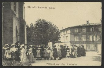 Chanos, Place de l'Eglise